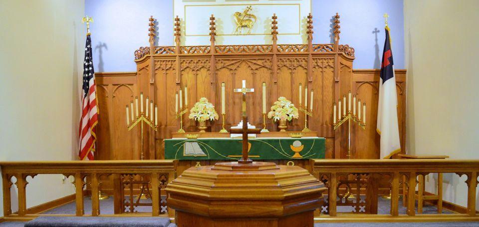Close Altar shot green banner